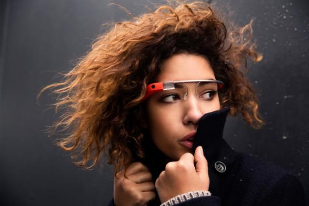 Google Glass en una chica